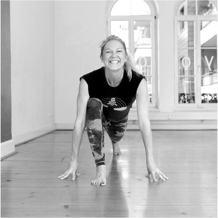 Vinyasa Yoga Yin Yoga Ätherische Öle Achtsamkeit
