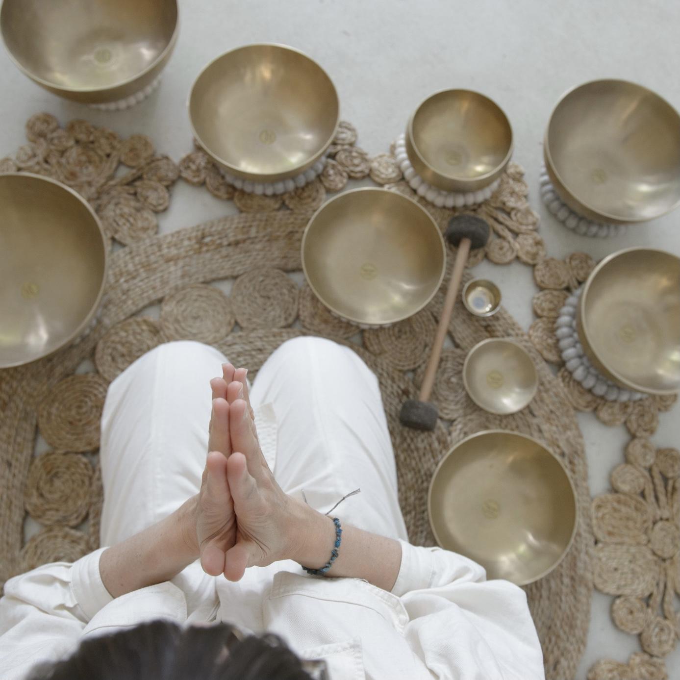 Klangschalen Klangmeditation Klangbad Soundhealing Soundbath Mindfulness Achtsamkeit